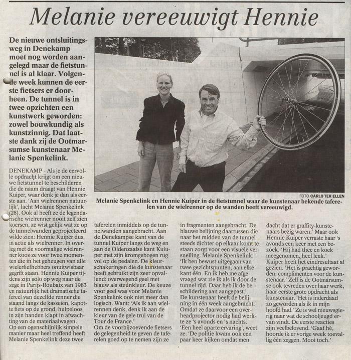 Melanie_vereeuwigt_Hennie_4okt2002_TCTubantia